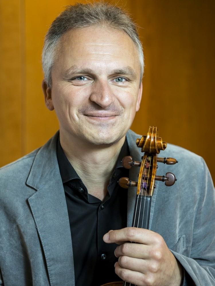 Gernot Adrion